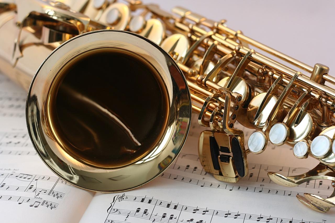 トランクルームはどんな楽器を保管できる?ピアノの練習・演奏は?